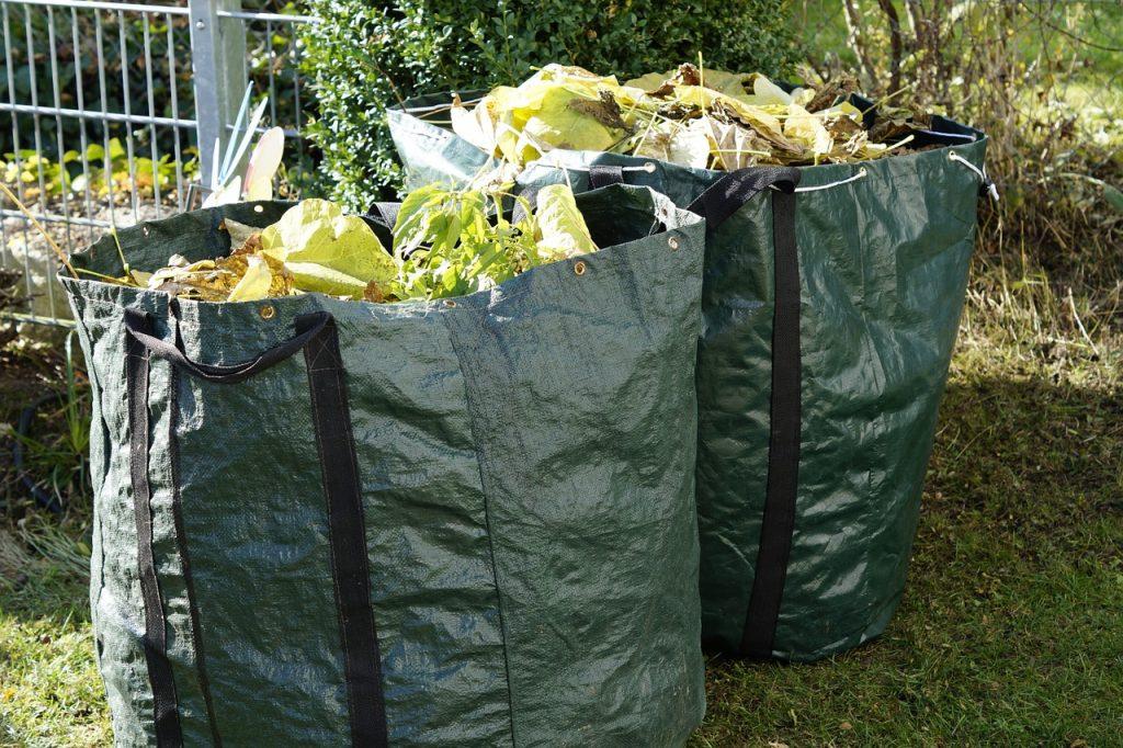 torby z odpadami